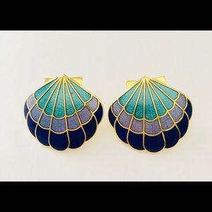 Jewelry - Vintage 90s Enamel Shell Shaped Pierced Earrings